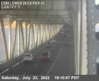 TVR33 -- I-580 :  Lower Deck Pier 41